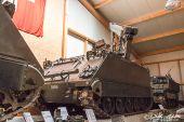 M-113_A1_Kran_Schuetzenpanzer.jpg