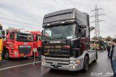 Scania_4er_Serie_schwarz-Silber.jpg